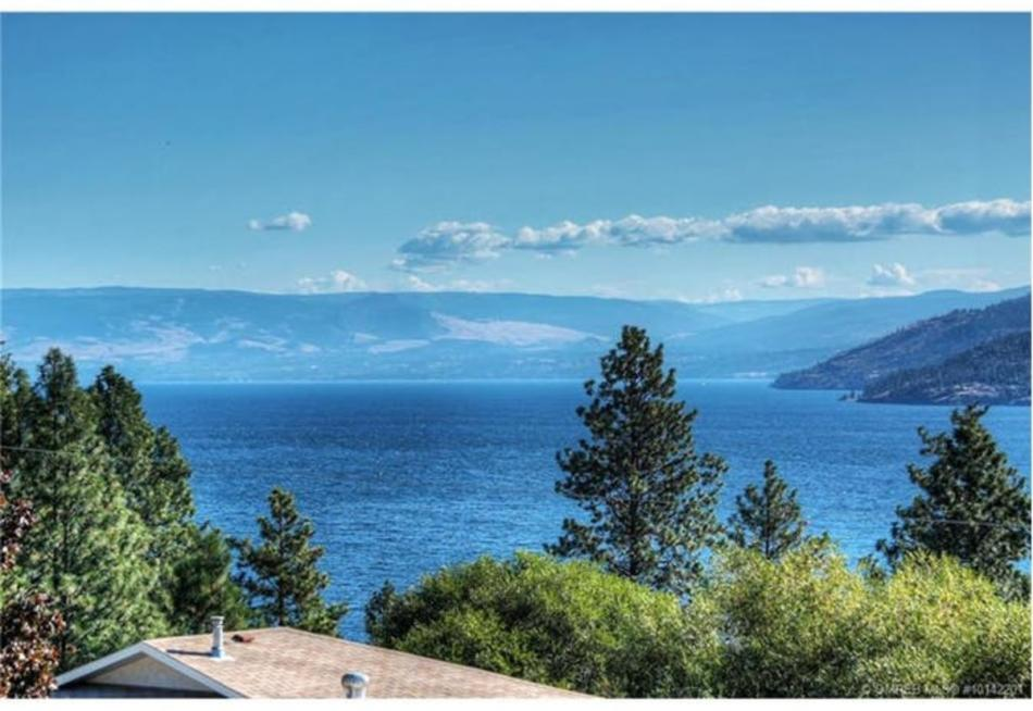6342 Topham Place, Peachland,